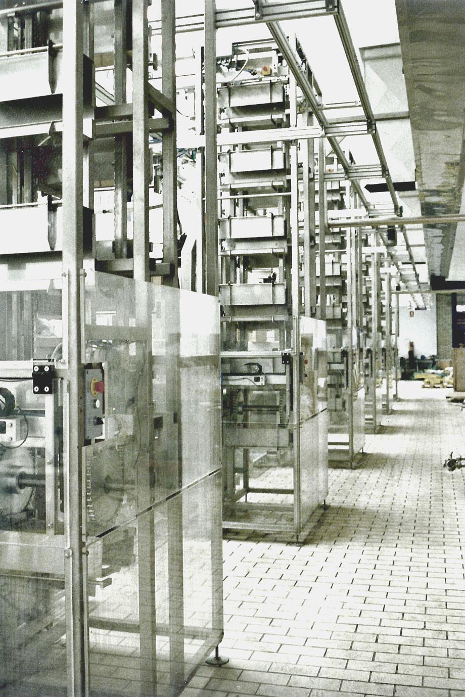 Anlage zur Verteilung an Füllmaschinen